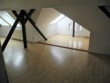 Einzigartige Dachgeschosswohnung