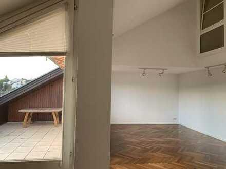 Schöne fünf Zimmer Wohnung in Göppingen (Kreis), Rechberghausen