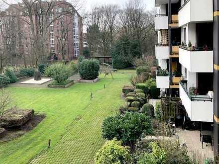 Renovierte - Schöne helle 2 Zimmerwohnung mit Balkon