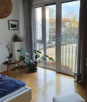Helle Wohnung in ruhiger Wohnanlage 3Zimmer, EBK, Loggia, Badewanne