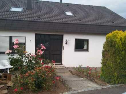 Gepflegtes 10-Zimmer-Einfamilienhaus mit EBK in Pfullingen, Pfullingen