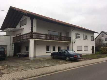 Familienhaus mit 3 großzügigen Wohnungen- als Kapitalanlage