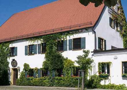 Gastwirtschaft (EG) mit Wohnung (OG) und sep. Nebengebäude im Zentrum von Gerolsbach