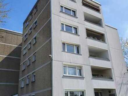 Vermietete Wohnung mit Balkon und Aufzug als Kapitalanlage