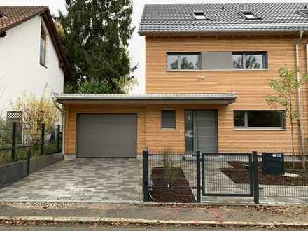 Schönes Haus mit sechs Zimmern in München, Waldperlach