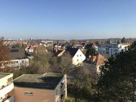 Gepflegte 1-Zimmer-Wohnung mit Balkon und Einbauküche in Burghausen