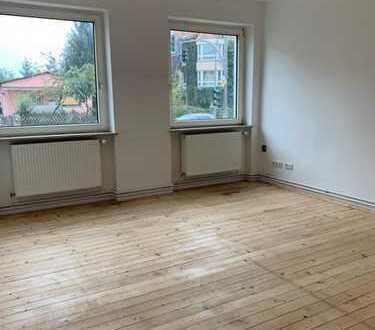 Komplett sanierte 3-Zimmer-Hochparterre-Wohnung in Reinickendorf! Bezugsfrei AB SOFORT