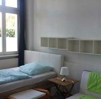 Zimmer in 5-Raum-Altbauwohnung frei ab Juni / Juli