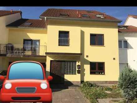Helle 5-Zimmer Wohnung in KA-Hagsfeld