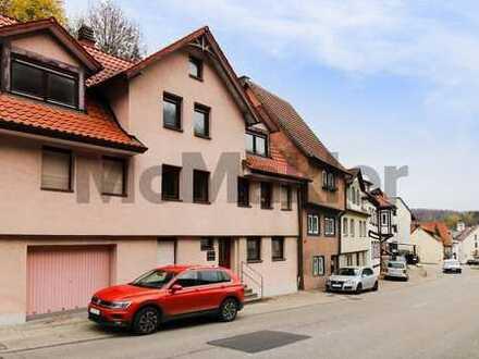 Vielseitig nutzbar: MFH mit 3 WE, 2 Terrassen und Garten in naturnaher Lage westlich von Ulm