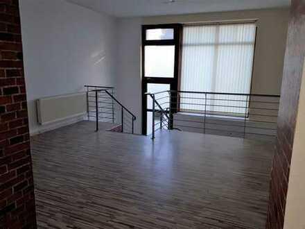 Bild_große Gewerbeinheit auf 2 Etagen mit 3 Zimmern als Verkaufsfläche oder Büro nutzbar
