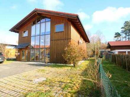 Modernes Bürogebäude im Gewerbegebiet von Iffledorf - 2 Minuten zur A95 und 5 Gehminuten zum Bahnhof