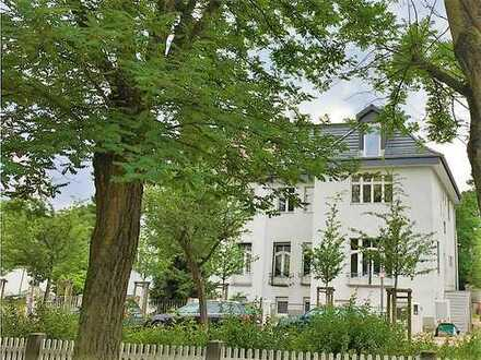 OG-Wohnung am Gartendenkmal Karolingerplatz, Erstbezug / Upper Floor Apartment at Karolingerplatz