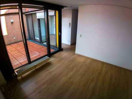Absolut zentral gelegene 2-Zimmer-Wohnung mit West-Balkon und Einbauküche