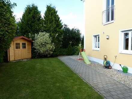 Schicke Doppelhaushälfte mit Garten in Ingolstadt-Etting