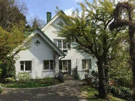 """Kronberg - idyllische 1A-Südwest-Bestlage, großz. Familien-Landhaus im """"Hamptons-Style"""""""