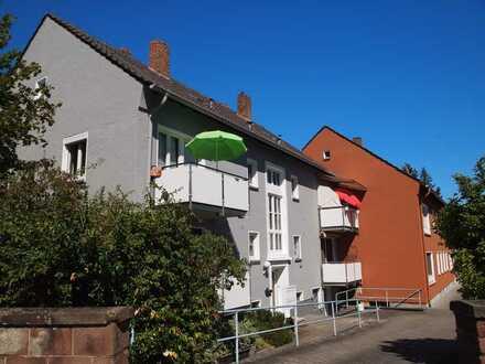 CITYNÄHE - Renovierte 2-ZKB Whg. mit EBK/Balkon im EG nähe der Stadtmitte von Zweibrücken/ ab 01.11.