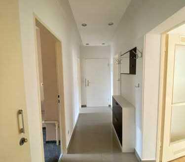 Schöne, helle 3-Zimmer Wohnung mit EBK in Niederrad zu vermieten!