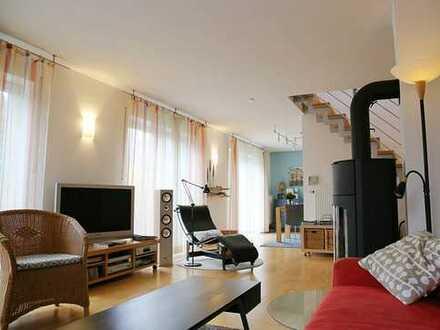 Freistehendes Einfamilienhaus mit Doppelgarage in begehrter Wohnlage von Neutraubling