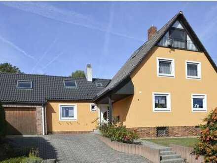 Schönes Haus mit acht Zimmern in bevorzugter Wohnlage am Roten Hügel in Bayreuth