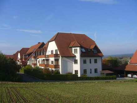 Schöne Wohnung mit Balkon und Carport!