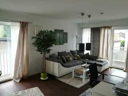 Neuwertige und auf Wunsch (teil-) möblierte 2-Zimmer-Wohnung mit Balkon Nähe Siemens Campus