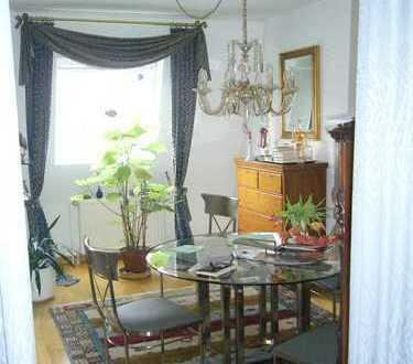 Gepflegte 3,5-Zimmer-Maisonette-Wohnung mit Balkon in Essen-Holsterhausen in einer ruhigen Seitenstr