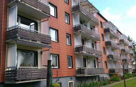 2 Zimmer mit Balkon, direkt am Park.