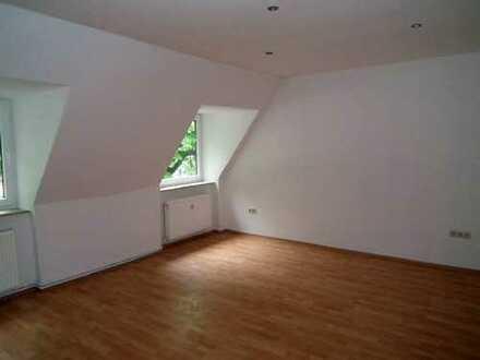 Moderne Wohnung über zwei Etagen! Sachen packen und einziehen!