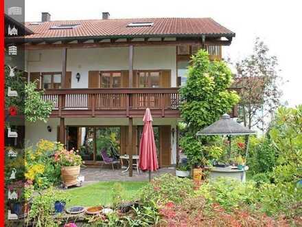In ca. 20 Minuten in München: Mehrgenerationen-Objekt mit drei Wohnungen