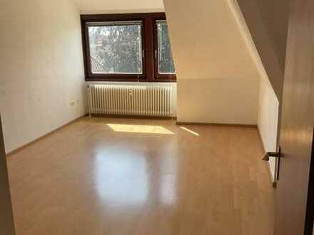 1-Zimmer-DG-Wohnung mit Einbauküche in Bremen-Osterfeuerberg