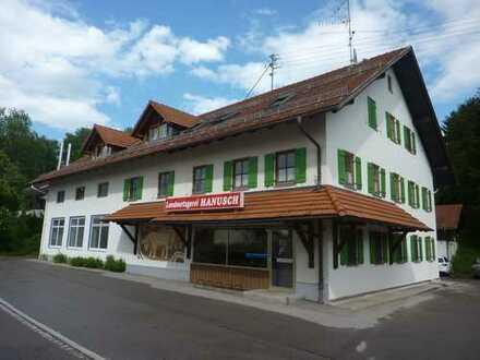Wohn- und Geschäftshaus mit Produktion-, Lager und Verkaufsflächen