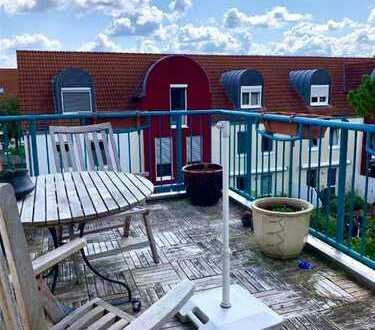 Wie im eigenen Haus: 2 Zimmer ETW mit Dachterrasse