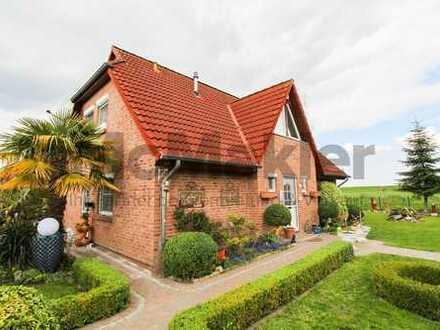 Freiheit mit Blick auf den Deich! Urlaubsfeeling in modernisiertem EFH mit Terrasse und Baumhaus
