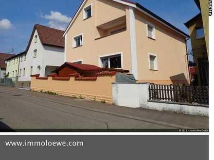 *TRAUMHAFT & SANIERT* Mehrgenerationenhaus in begehrter Wohnlage in Hüttlingen