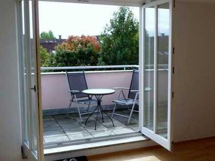 Möblierte sonnige 2-Zi-Wohnung mit uneinsehbarer sonniger Dachterrasse von privat sofort frei