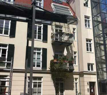 Modern, hell & ruhig * Kernsanierter Altbau in Neuhausen * 3-Zimmer / 65qm