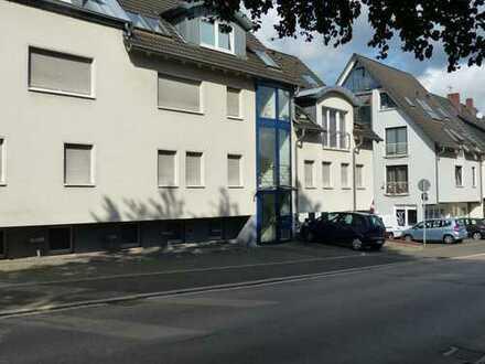 Gepflegte 3-Zimmer-Dachgeschosswohnung mit Balkon und EBK in Iserlohn