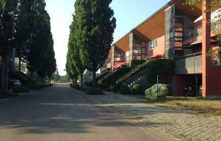 Sanierte 2-Zimmer-Wohnung mit Balkon und Einbauküche in Dessau-Roßlau