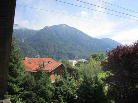 Stilvolle 2,5-Zimmer-Wohnung mit Balkon in Oberau, Garmisch-Partenkirchen (Kreis)