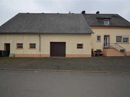Romantisches und gemütliches Bauernhaus mit Terrasse, großem Garten und Garage in Feusdorf