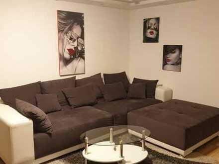 Stilvolle, modernisierte 2-Zimmer-Wohnung mit Balkon und Einbauküche in Kempten (Allgäu)
