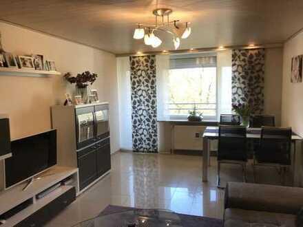 Wohnung in Mehrfamilienhaus Zentrale, ruhige Lage, nähe Audi, 3,5 Zimmer mit freiem Blick