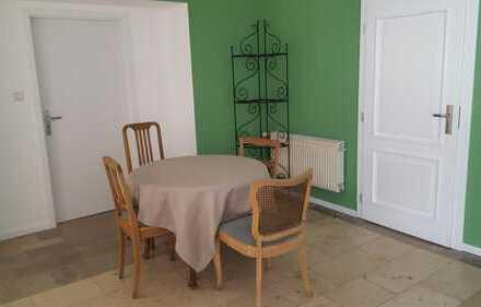 Ansprechende 2-Zimmer-EG-Wohnung mit Einbauküche in Böblingen