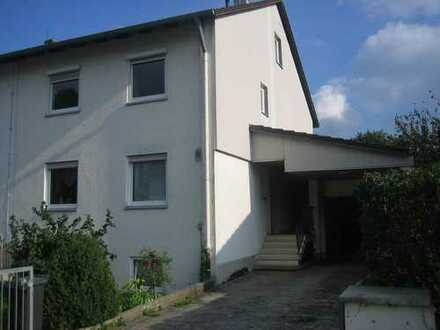 Geräumige Doppelhaushälte Umland München