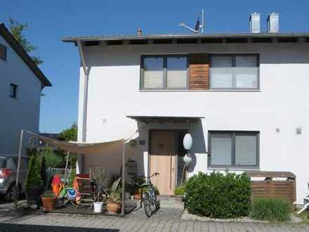 Modern + hochwertig: DHH 16km nördlich Stadtgrenze München in Großnöbach
