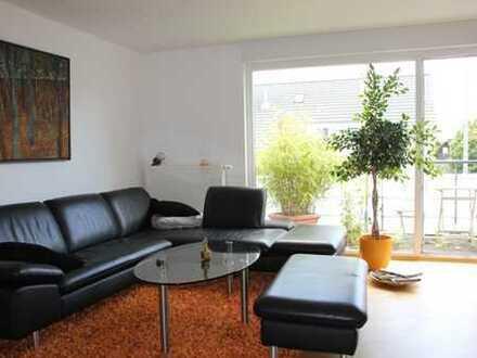 Sonnige 3 Zimmer Wohnung in Eschborn mit Balkon und EBK