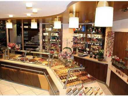 Café-Gastrobetrieb mit großem Wintergarten