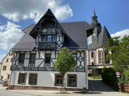+++ Modernes Wohnen in einer liebevoll sanierten und historischen Villa in Rochlitz +++