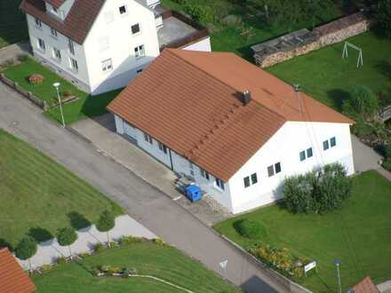 vielseitig nutzbares massiv gebautes Betriebsgebäude in einem Mischgebiet im Landkreis Sigmaringen